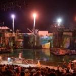 「ワンピース・プレミアショー」開催5周年を記念し、『ルフィとエースの兄弟共演』公演中!