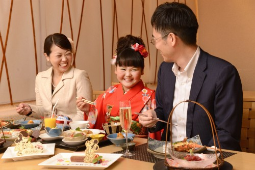 ディズニーアンバサダーホテル「花 Hana」でのお祝い(イメージ)