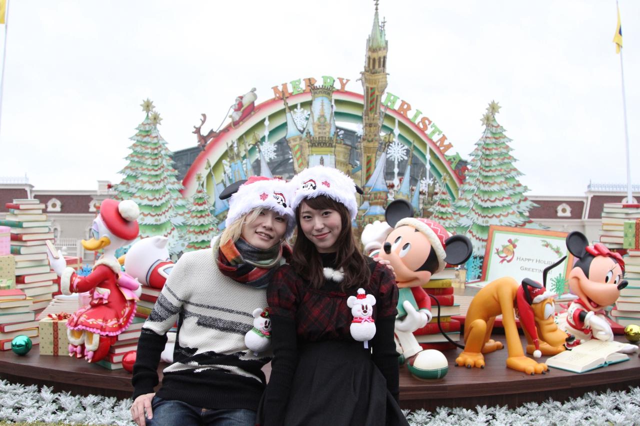 東京ディズニーランドでクリスマスデートを楽しむ | コンフェティ