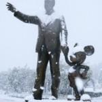 東京ディズニーリゾートの雪景色を探る。