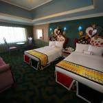 東京ディズニーランドホテル「ディズニー不思議の国のアリスルーム」を探る。