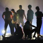 大澄賢也が初演出、トップシンガー&ダンサーがぶつかり合う奇跡のステージ「CONNECTION」公演中。
