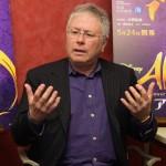 劇団四季 ミュージカル『アラジン』作曲家アラン・メンケン氏へ合同インタビューを実施