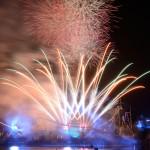 3200発の花火で新年を迎える『ユニバーサル・カウントダウン・パーティ2016』を開催。