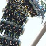 世界最高うつ伏せフライング・コースター『ザ・フライング・ダイナソー』を魅る