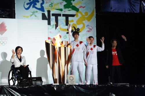 東京2020オリンピック聖火リレー大阪府 公式アンバサダー田口亜希さんが万博公園を走行!